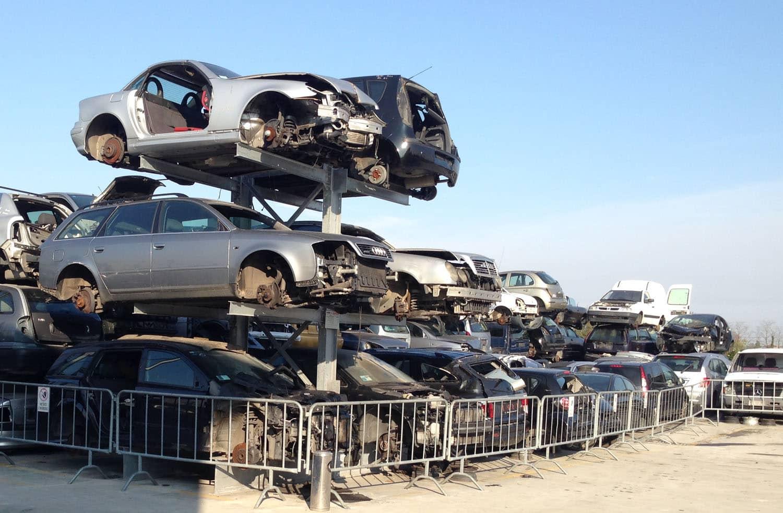 demolizione auto e motocicli